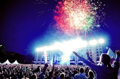 Edm <3 my idea of paradise! Where I can escape into this wonderful world of music.
