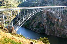 Puente de Pino (Zamora), que enlaza las comarcas de Sayago y Aliste