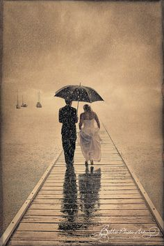 Bride and Groom in the Pouring Rain Wedding picture Rain Wedding, Raindrops And Roses, Rain Photo, Love Rain, Walking In The Rain, Wedding Photo Albums, Photo Couple, Wedding Photography Inspiration, Wedding Inspiration