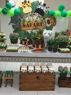 Safari Birthday Cakes, Jungle Theme Birthday, Jungle Theme Parties, Wild One Birthday Party, First Birthday Themes, Baby Boy 1st Birthday, Safari Party, Animal Birthday, Minnie Safari