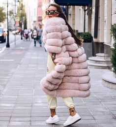 Z serii nasze inspiracje⏳w trakcie realizacji dla klientki  Our inspiration for the new order for our client in progress. #fur#furs#new#style#fallfashion#furcoat#furjacket#amazing#colour#mexa#Mexa#Шубы#pelzmode#pelzmantel#pelzjacke#chic#girly#trendy#stylish#celebrity#fashionstyle#fashiononline#woman#casual#elegant#instastyle#instafashion#streetwear#streetstyle#streetfashion
