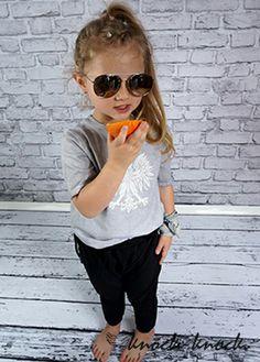 spodnie dresowe ze ściągaczem w pasie,fason z luźnym krokiem- MUST HAVE tego sezonu ,krój: unisex. Do kupienia na:  mail: knocknock.fashion@gmail.com fb: https://www.facebook.com/pages/knock-knock-fashion/230430617163127?ref=hl instagram: http://instagram.com/knock_knockfashion#  #kidsfashion #modadladzieci #fashionkids #modnedziecko