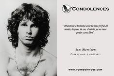 """Jim Morrison - Cantante y Compositor Estadounidense. Recordado por ser vocalista de la emblemática banda """"The Doors""""."""