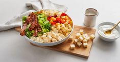 Get step by step directions to make this BLT Pasta Salad with Sour Cream Dressing recipe from Neilson Dairy. Yummy Recipes, Salad Recipes, Great Recipes, Recipies, Cooking Recipes, Favorite Recipes, Healthy Recipes, Blt Pasta Salads, Dinner Salads