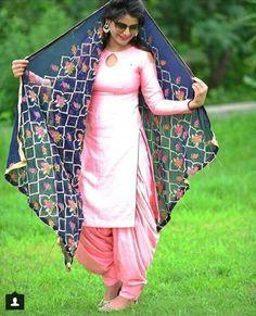 Indian Suits Punjabi, Punjabi Dress, Salwar Dress, Anarkali, Salwar Designs, Kurta Designs Women, Kurti Designs Party Wear, Blouse Designs, Indian Western Dress