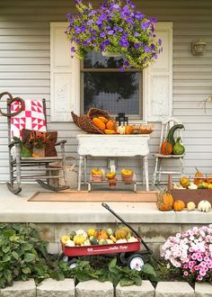 Halloween. A little bit country.In a wagon, in a basket or filling a cornucopia, create a comfy, cozy place to relax during all those crisp, fall evenings. Bend the rules a bit and use the shabby chic, country style as inspiration.