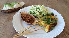 Torsdag 20/3: Satay Gai med ris og kål