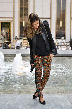 calça apertada tipo legging + sapatilha preta + blusas e casacos de inverno = look de magra