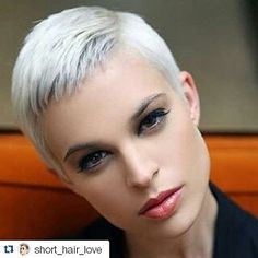 #pretty #eyes #soft #platinumblonde #shorthair #hairstylists #creativecutsclothing
