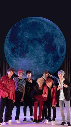 Jimin could sing that song for me now, from Thiaguinho . - Jimin could sing that song for me now, from Thiaguinho … & # You see that moon … & # ; Bts Jin, Bts Bangtan Boy, Bts Taehyung, Bts Jungkook, Bts Wallpapers, Bts Backgrounds, Bts Group Picture, Bts Group Photos, Foto Bts