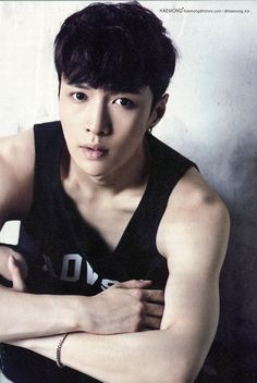 Lay (EXO-M) Independence 24 Photobook [Parts: 1, 2, 3 & 4] Cr: haemong