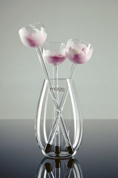 """Ice Cream Flowers"", a cool new way to serve desert!"