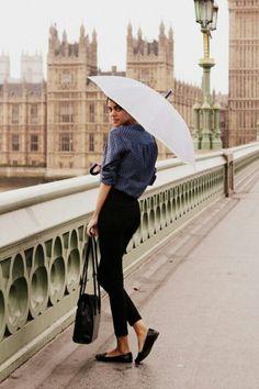black cigarette pants, flats, navy blouse