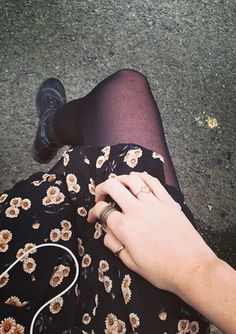 Daisies, maroon tights, and combat boots? I think yesss.