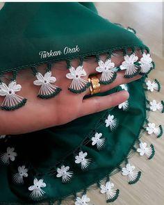 Sexy New Backless Lace Beads Wedding Dresses 2019 Spaghett Zig Zag Crochet, Rainbow Crochet, Crochet Motifs, Crochet Flower Patterns, Crochet Designs, Crochet Lace, Simple Embroidery, Hand Embroidery Stitches, Hand Embroidery Designs