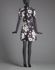 EMBROIDERED FLOWER PRINT BROCADE FLARED DRESS - Short dresses - Dolce&Gabbana - Winter 2016