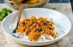 Aby ste si kúsok našej HalmiSpace kuchyne preniesli aj domov, tie najlepšie recepty pre vás pravidelne uverejňujeme na našom blogu. Tentokrát vám naši kuchári prezradili recept na chutný cícerový stroganov so šampiňónmi (vo vegetariánskej aj vegánskej verzii).