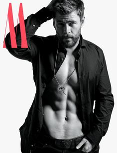 Chris Hemsworth Admits He Almost Lost Out Thor to His Younger Brother Liam Hemsworth Chris Hemsworth Thor, Chris Hemsworth Torse Nu, Chris Hemsworth Sem Camisa, Hemsworth Brothers, Mario Sorrenti, Man Thing Marvel, Hommes Sexy, Age Of Ultron, Hot Actors