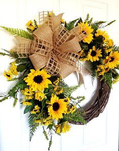 85 Beautiful Summer Front Porch Decorating Ideas - New Ideas Diy Spring Wreath, Autumn Wreaths, Diy Wreath, Holiday Wreaths, Tulle Wreath, Cotton Wreath, Wreaths For Front Door, Door Wreaths, Sunflower Wreaths