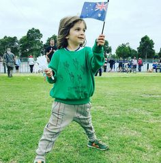 """49 curtidas, 6 comentários - Tip Toey Joey Australia (@tiptoeyjoeyausnz) no Instagram: """"Such a gorgeous little Australian! Perfect choice of outfit for Australia day complimented by our…"""""""