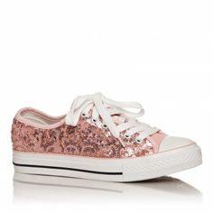 Tenisi Lovable - Roz Tenisii Lovable roz sunt pur si simplu adorabili! Avand o nuanta deschisa de roz, acesti tenisi iti vor scoate din anonimat tinuta, cu ajutorul strasurilor stralucitoare amplasate pe toata suprafata lor. Tenisii Lovable roz nu sunt doar cocheti, ci si foarte comozi!