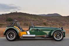 2015 Caterham Seven 620 R: British lightweight sports car manufacturer Caterham Cars presents the 2015 Caterham Seven 620 R. Caterham Cars, Caterham Super 7, Caterham Seven, Jdm, Muscle Cars, Lotus Sports Car, Convertible, Lotus 7, Automobile