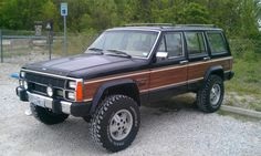 Lifted Jeep XJ Wagoneer