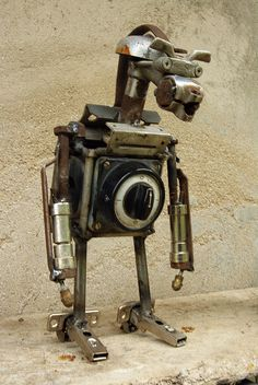 d13 Scrap Recycling, Diy Robot, Trash To Treasure, Assemblage Art, Retro Art, Art Images, Robots, New Art, Steampunk