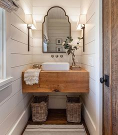 Awesome Farmhouse Bathroom Vanity Remodel Ideas – Best Home Decorating Ideas - Page 2 Modern Farmhouse Bathroom, Farmhouse Design, Farmhouse Small, Rustic Farmhouse, Fresh Farmhouse, Farmhouse Ideas, Farmhouse Interior, Urban Farmhouse, Farmhouse Stairs
