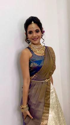 Bridal Sarees South Indian, Indian Bridal Outfits, Indian Bridal Fashion, Indian Fashion Dresses, Indian Designer Outfits, Wedding Saree Blouse Designs, Half Saree Designs, Half Saree Lehenga, Saree Look