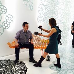 Momento felicidade, sendo entrevistado por Marcia Carini sentado sobre o novo lançamento dos campanas para @alotof #Milandesignweek2015 #decor #designweek #decoration #designdeinteriores #interiordesign #fabiogaleazzo #galeazzodesign