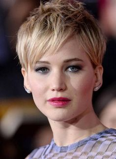 Pixie Haircuts for Round Faces-04