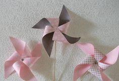 Activité bricolage - Fabriquez des moulins à vent ou décorez des sachets de bonbons ou paquets cadeau avec cette technique.