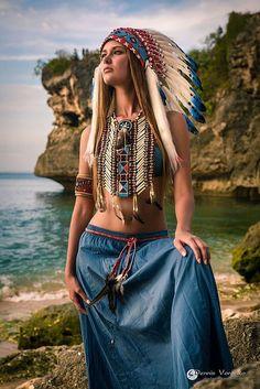 Stop dis bullshit Native Girls, Native American Girls, Native American Beauty, Indian Costumes, Indian Look, Native Indian, Models, Indian Girls, Headdress