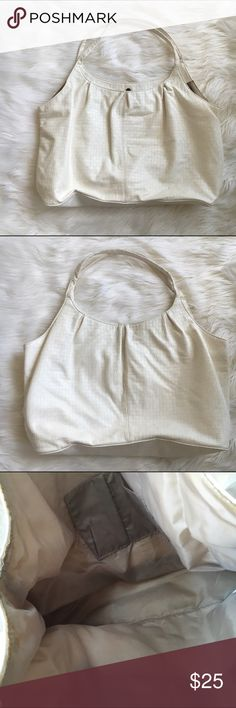 """H&M vegan tote Large cream Vegan tote by H&M . This tote was featured on the """"TODAY"""" show as the perfect bag for a week end trip to Miami. Use as a purse then take it to the beach or pool as a beach tote. Pack an evening bag inside for a night out with a LBD. No need for luggage and check in! Used once! Great condition. 🚫trades H&M Bags Shoulder Bags"""