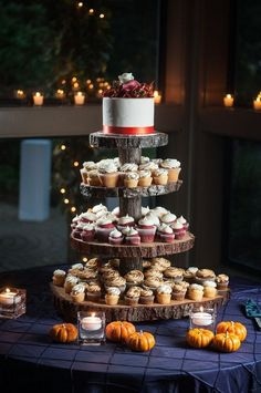 wooden slab cupcake stand #weddings #cakes #fall #cupcakes