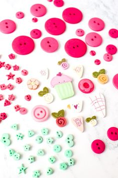 Handmade buttons for cross stitch and embroidery. So pretty! Embroidery Patterns, Hand Embroidery, Modern Cross Stitch Patterns, Hand Stitching, Needlepoint, Buttons, Couture, Pretty, Floral