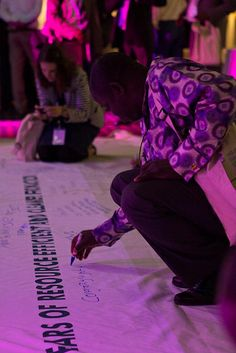 Banner signing (9)