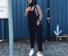 Muslim fashion — Modest outfits for hijabis, and muslim women. Modern Hijab Fashion, Street Hijab Fashion, Hijab Fashion Inspiration, Muslim Fashion, Modest Fashion, Fashion Outfits, Casual Hijab Outfit, Hijab Chic, Ootd Hijab