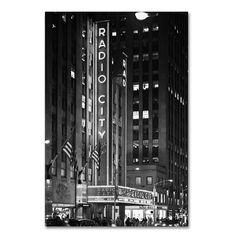 "Latitude Run Radio City Music Hall Photographic Print on Wrapped Canvas Size: 32"" H x 22"" W x 2"" D"