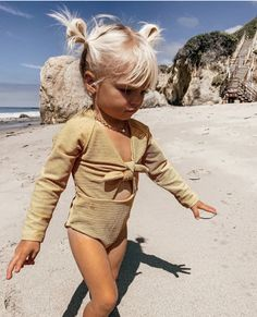 Baby Girl Fashion, Toddler Fashion, Kids Fashion, Korean Fashion, Winter Fashion, 2000s Fashion, Fashion 2020, Fashion Tips, Fashion Pants