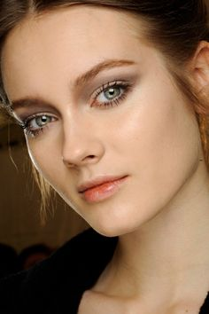 valentino makeup 2012 // love this look! natural and pretty :)