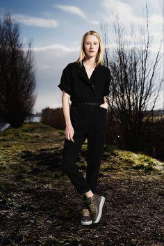 Sea   Fall 2015 Ready-to-Wear   34 Black denim short sleeve jumpsuit