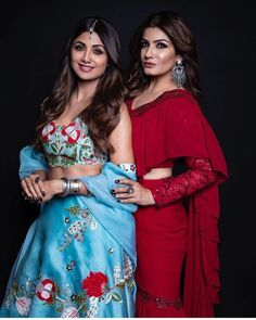 Shilpa Shetty and Twinkle Khanna Indian film actress Indian Bollywood Actress, Indian Film Actress, Beautiful Indian Actress, Indian Actresses, Bollywood Style, Indian Designer Outfits, Indian Outfits, Old Friendships, Swag