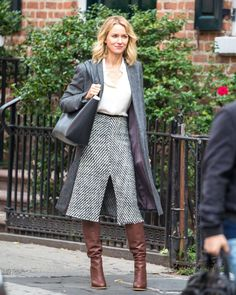 Newly Single Naomi Watts Films 'Gypsy' In NYC
