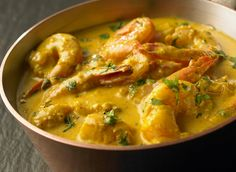 Shrimp with curry and coconut milk Source by mariefrancoiseexurville Shrimp Recipes, Fish Recipes, Asian Recipes, Real Food Recipes, Yummy Food, Healthy Recipes, Ethnic Recipes, Shrimp Coconut Milk, Coco Curry