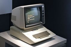 Apple II (1977)
