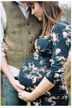 Maternity photography ideas trend 2017 11 - YS Edu Sky Maternity Poses, Maternity Portraits, Couple Maternity, Outdoor Maternity Pictures, Maternity Swimwear, Maternity Clothing, Maternity Style, Maternity Dresses, Newborn Pictures