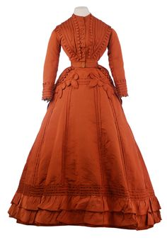 Worth day dress, 1867-70 From the Museo de la Moda