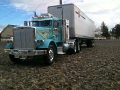 All of our completed 2014 truck builds! - Model Trucks: Big Rigs and Heavy Equipment - Model Cars Magazine Forum Big Rig Trucks, Toy Trucks, Semi Trucks, Antique Trucks, Vintage Trucks, Peterbilt Trucks, Car Magazine, Heavy Equipment, Rigs